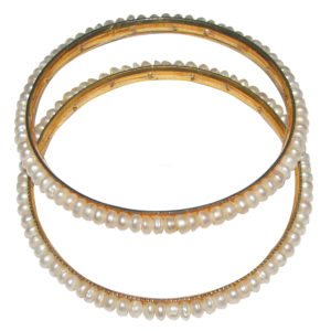 a4009-pearl-bangle